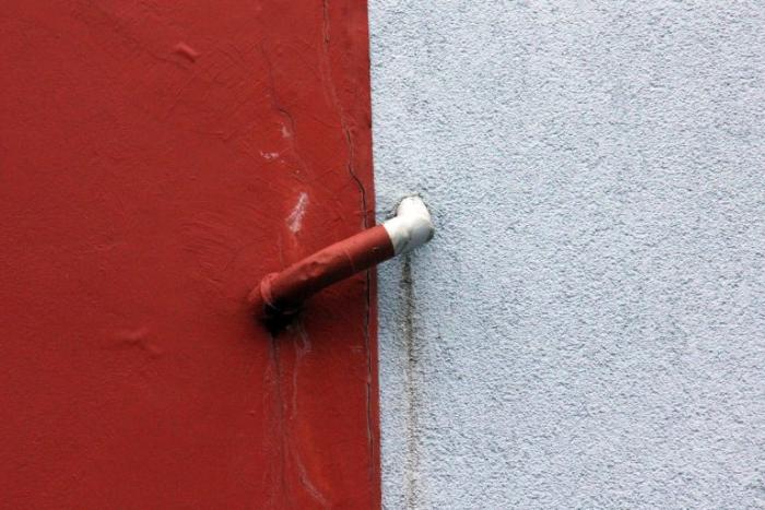 Las diferencias entre los impermeabilizantes rojo y blanco
