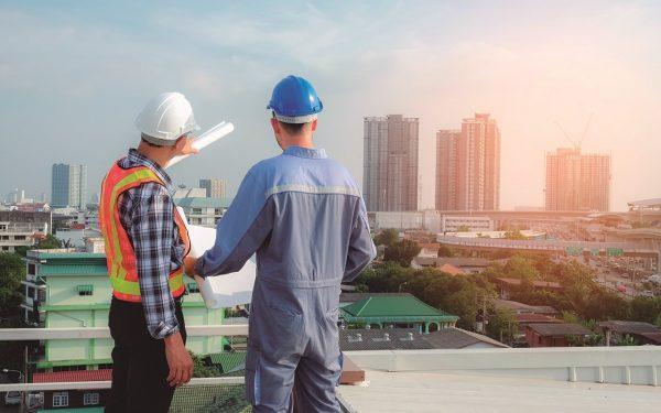 El liderazgo entre el ingeniero y el maestro de obras
